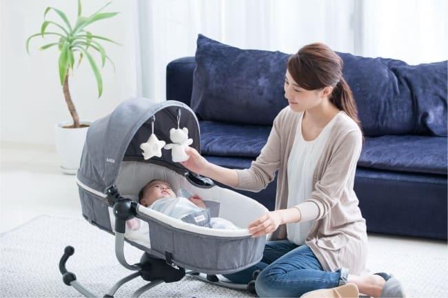 """子育てをサポートする機能が満載!赤ちゃんに合わせて""""揺れ""""の切り替えができるベビーバウンサーが登場"""