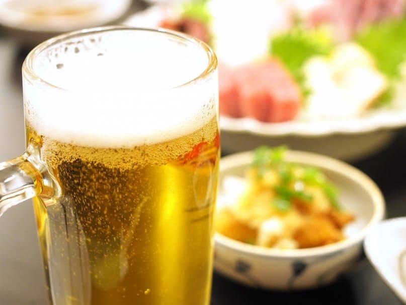 東南アジアでは氷入りが常識!?日本と異なる各国のビールの飲み方とは