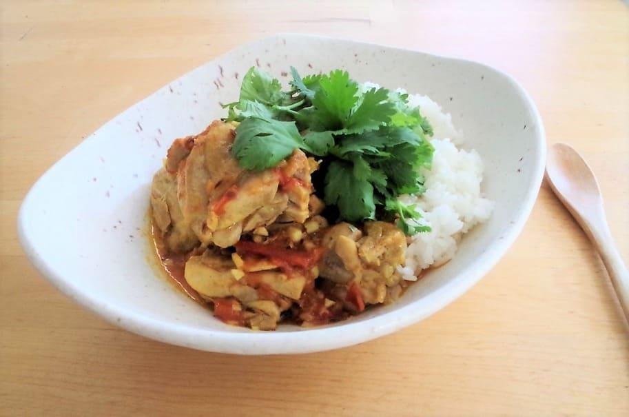仕事で疲れて帰ってきたときの時短料理!20分で作れる本格エスニック「鶏のネパール風カレー」