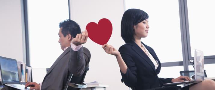 勢いで突っ走るのは危険!? 秘密の社内恋愛を続かせる6つのコツ