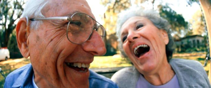 """""""笑い""""で社会貢献!?今注目の「お笑い福祉士」とは?"""