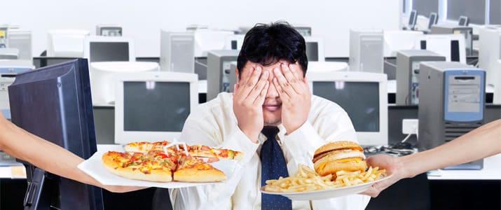 管理栄養士が徹底解説! 残業後や飲み会で食べてもOKな夜食とは?