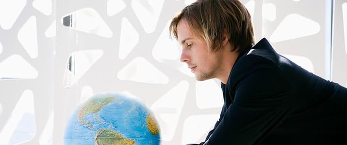 海外のビジネスパーソンの働き方は? ヨーロッパのワーク&ライフスタイルを探る記事3選
