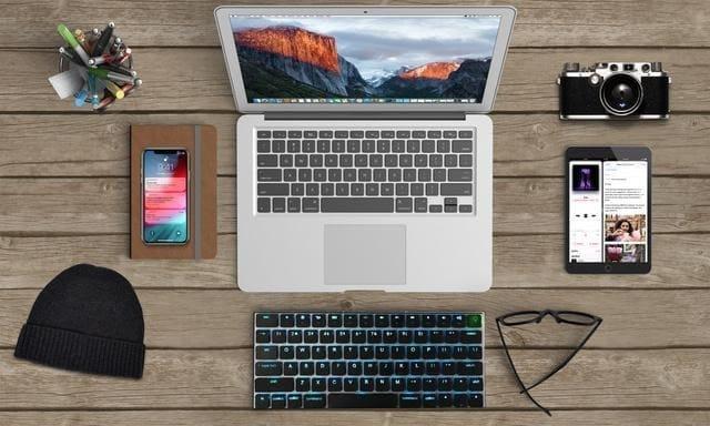 爽快なキータッチ、持ち運びやすさ、複数デバイスでの簡単切り替え 超薄型キーボード「Taptek」