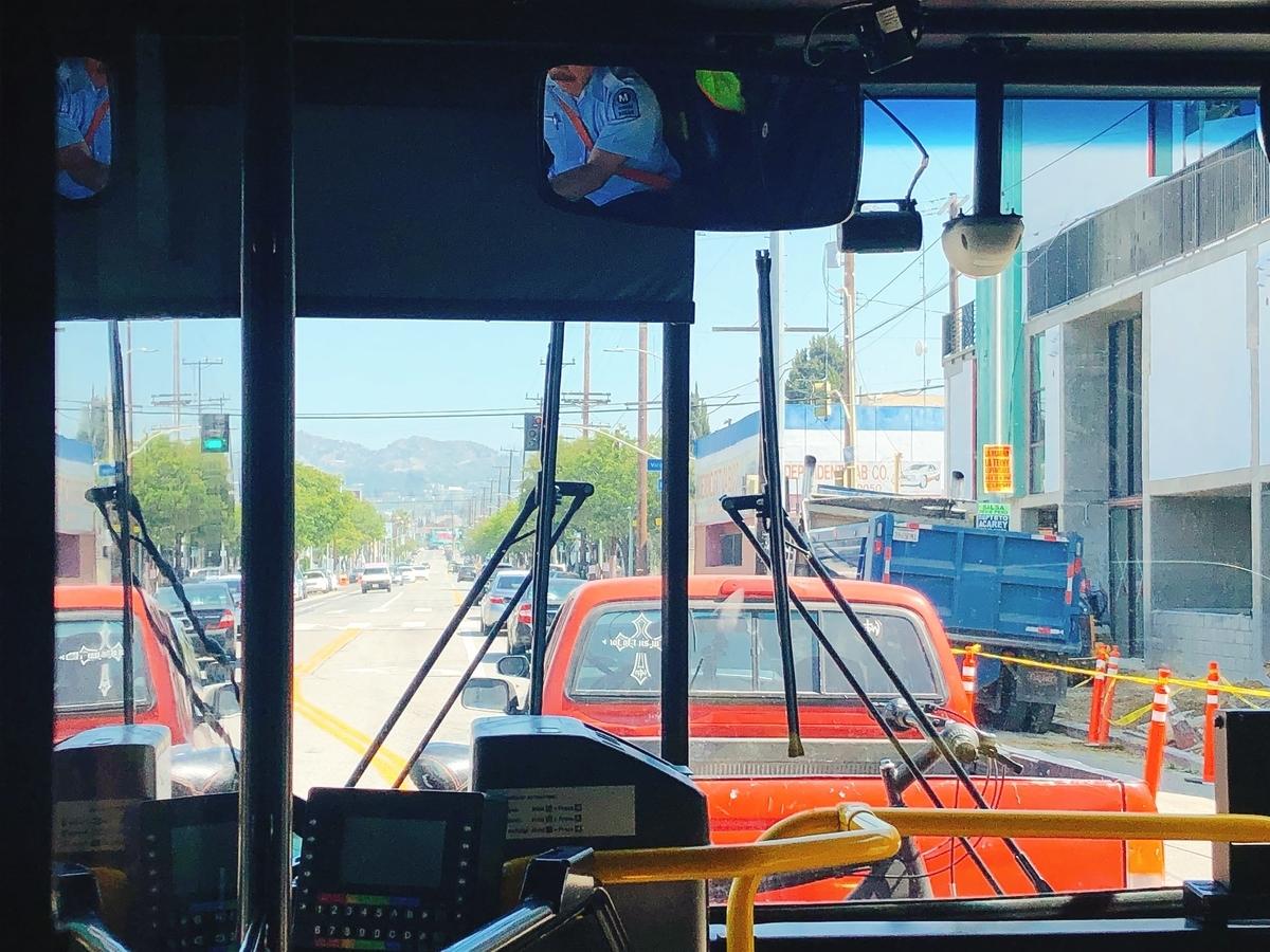 アメリカ ひとり旅 一人旅 女子 ロサンゼルス メルローズ サンタモニカ 古着 海 ビーチ バス メトロ