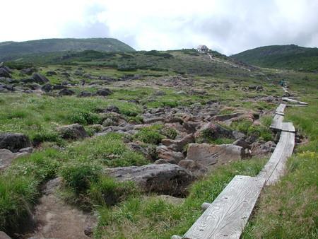 ギリシャ庭園(奥には雲の平山荘)