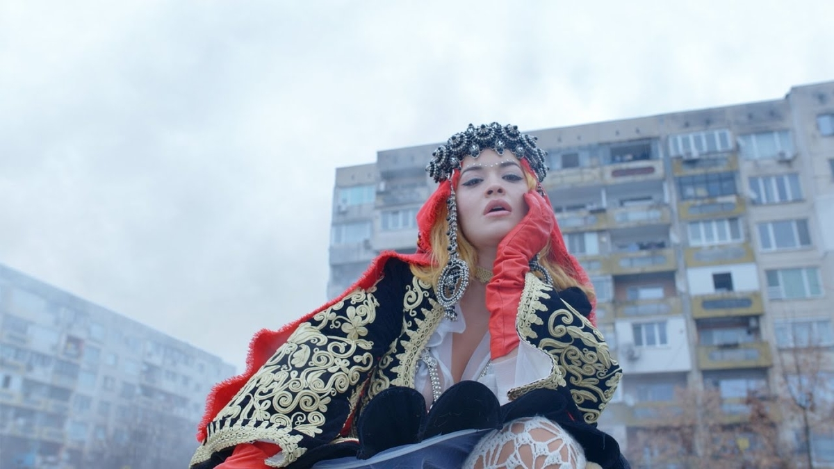 Big - Rita Ora, David Guetta & Imanbek :ビッグ - リタ・オラ、デイビッド・ゲッタ 【歌詞和訳】