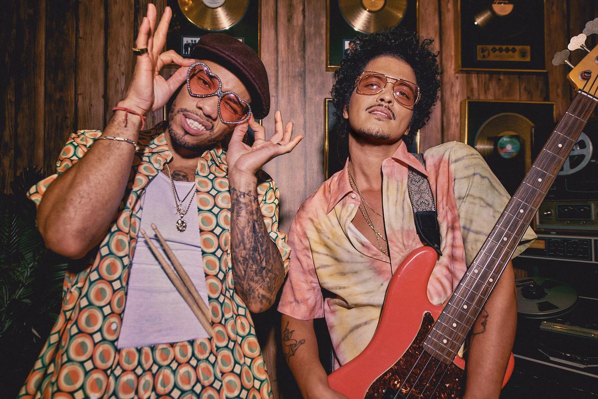 【歌詞和訳】Leave The Door Open - Bruno Mars, Anderson .Paak & Silk Sonic:リーブ・ザ・ドア・オープン - ブルーノ・マーズ