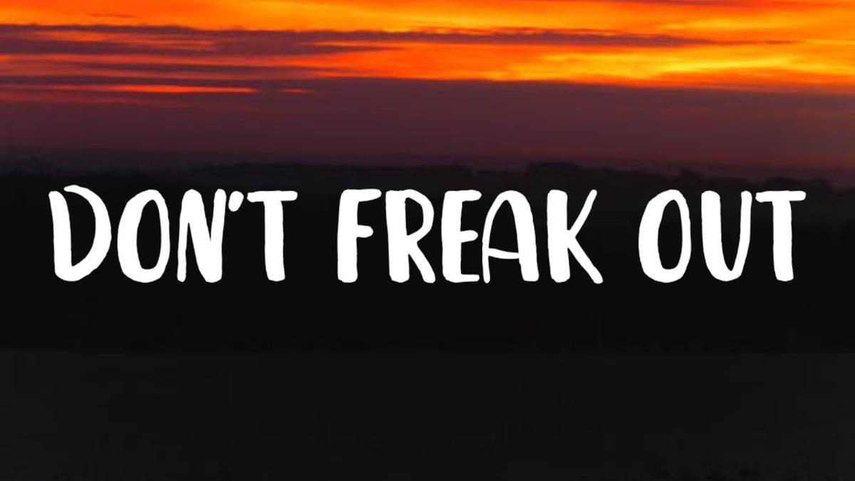 【歌詞和訳】Don't Freak Out:ドント・フリーク・アウト - LILHUDDY ft. Travis Barker, Tyson Ritter & iann dior:リル・ハーディ
