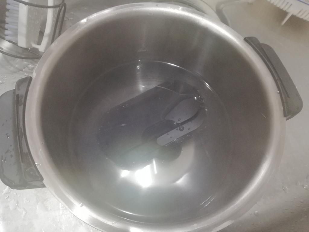 かき混ぜユニットお湯で洗う