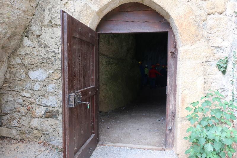 洞窟城地下入口