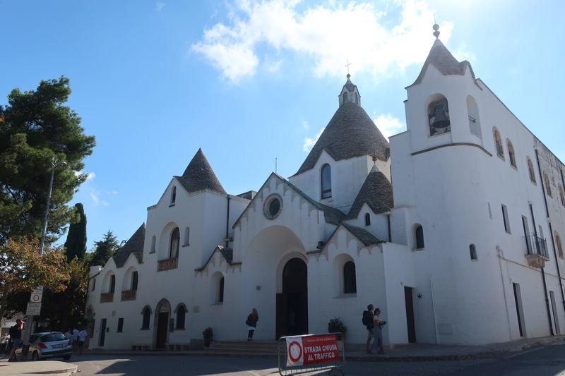 トゥルッリの教会