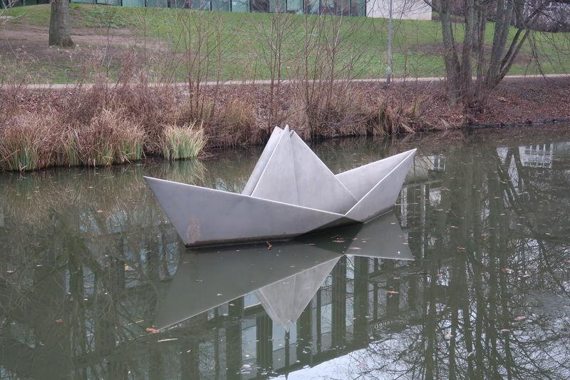 折り紙の舟