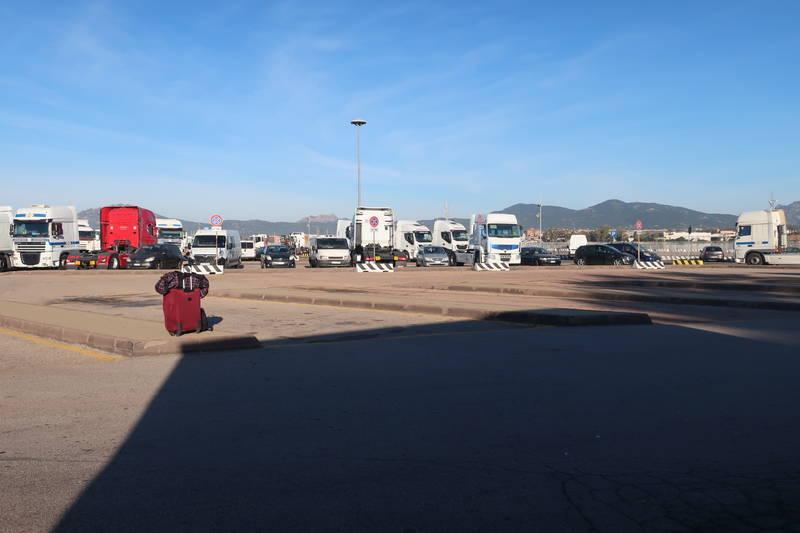 サルデーニャ島各地へ行く長距離バス乗り場