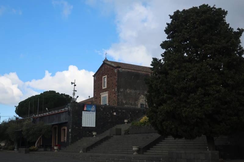 エトナ麓の教会