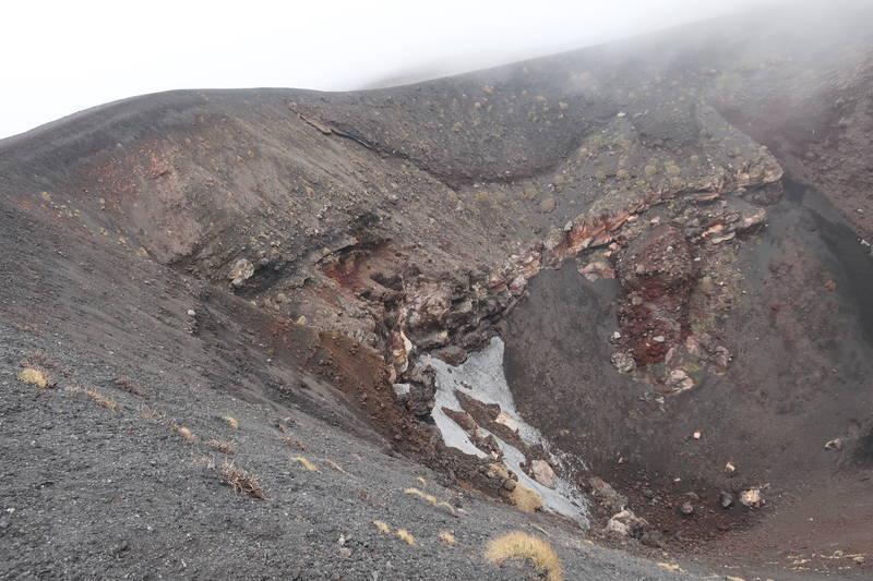 火山のクレーター