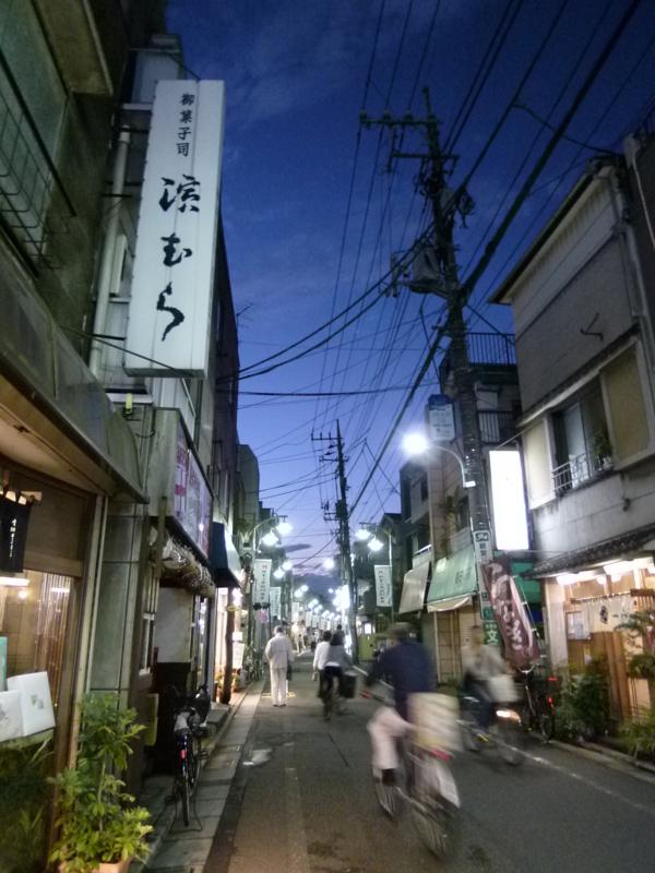 パクチーハウス東京の前にの画像