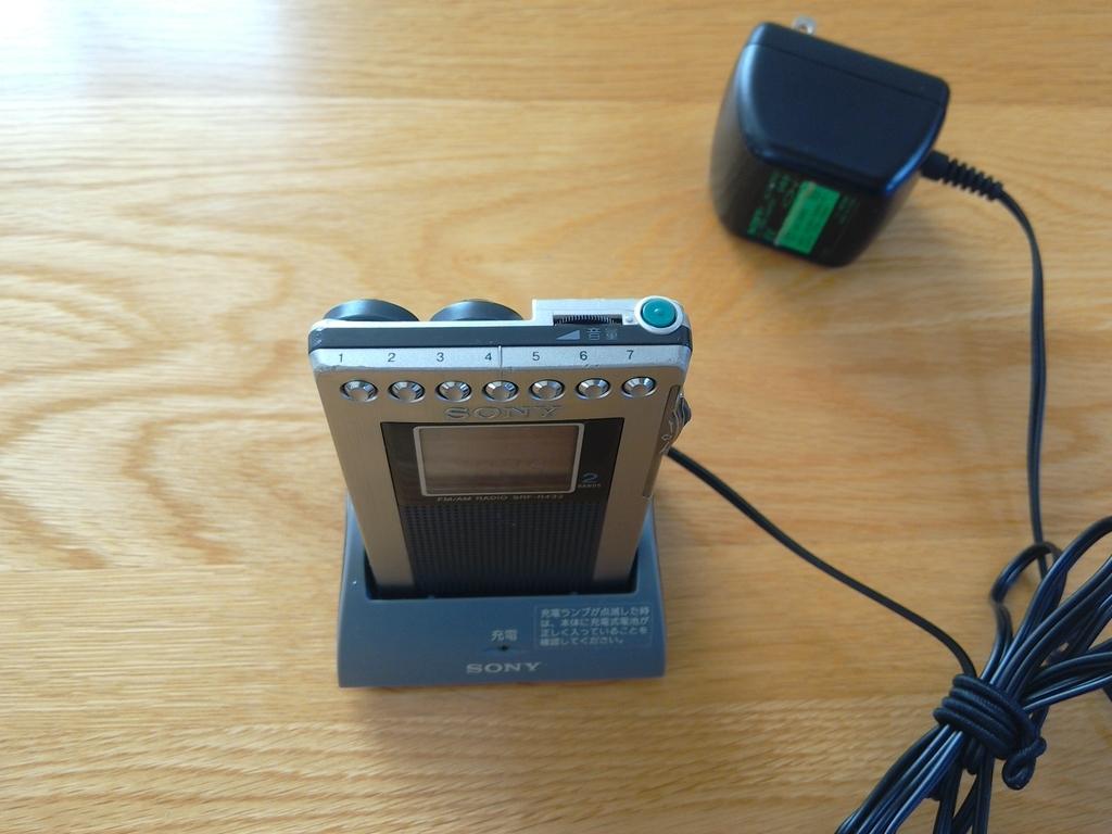 SONY携帯ラジオSRF-R433充電方法