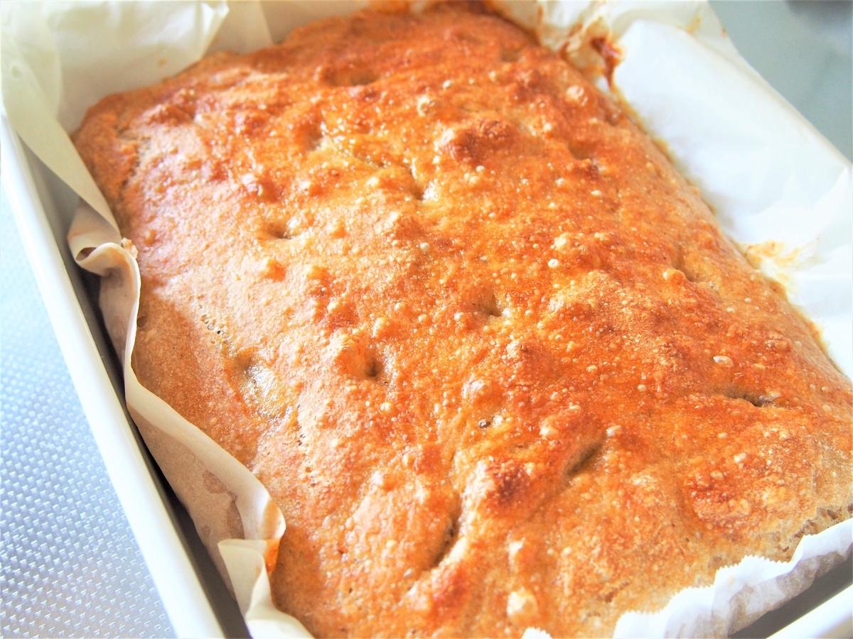 全粒粉で焼く、こねないパン