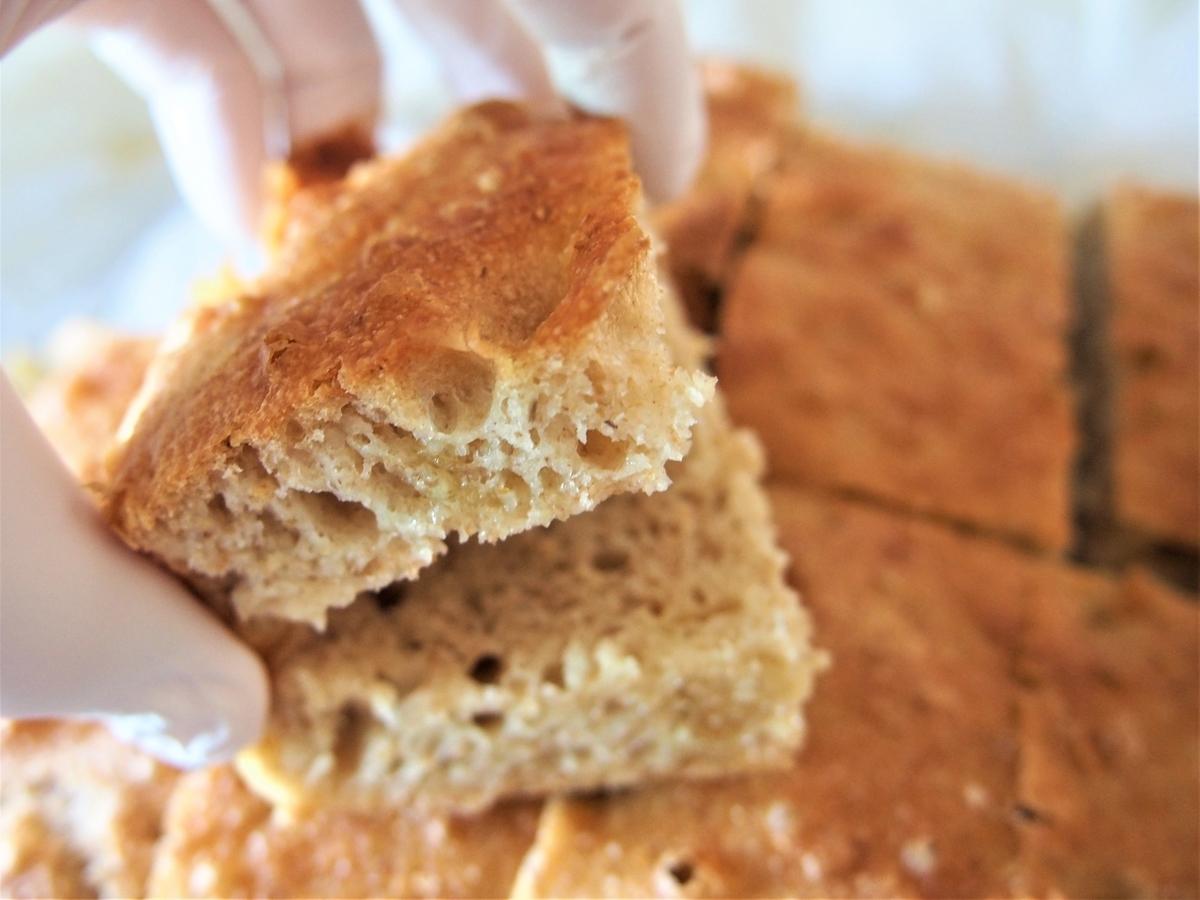 サンドイッチ用にスライス済みの自家製パン