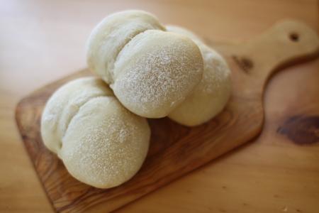 はちみつの白パンを手作り