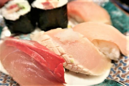 もりもり寿司近江町店のぶり5点盛り