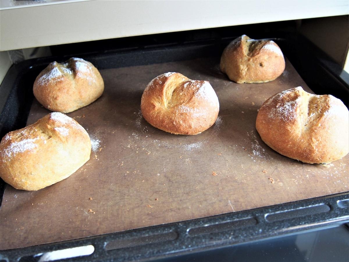 オーブン庫内・パンの焼き色確認