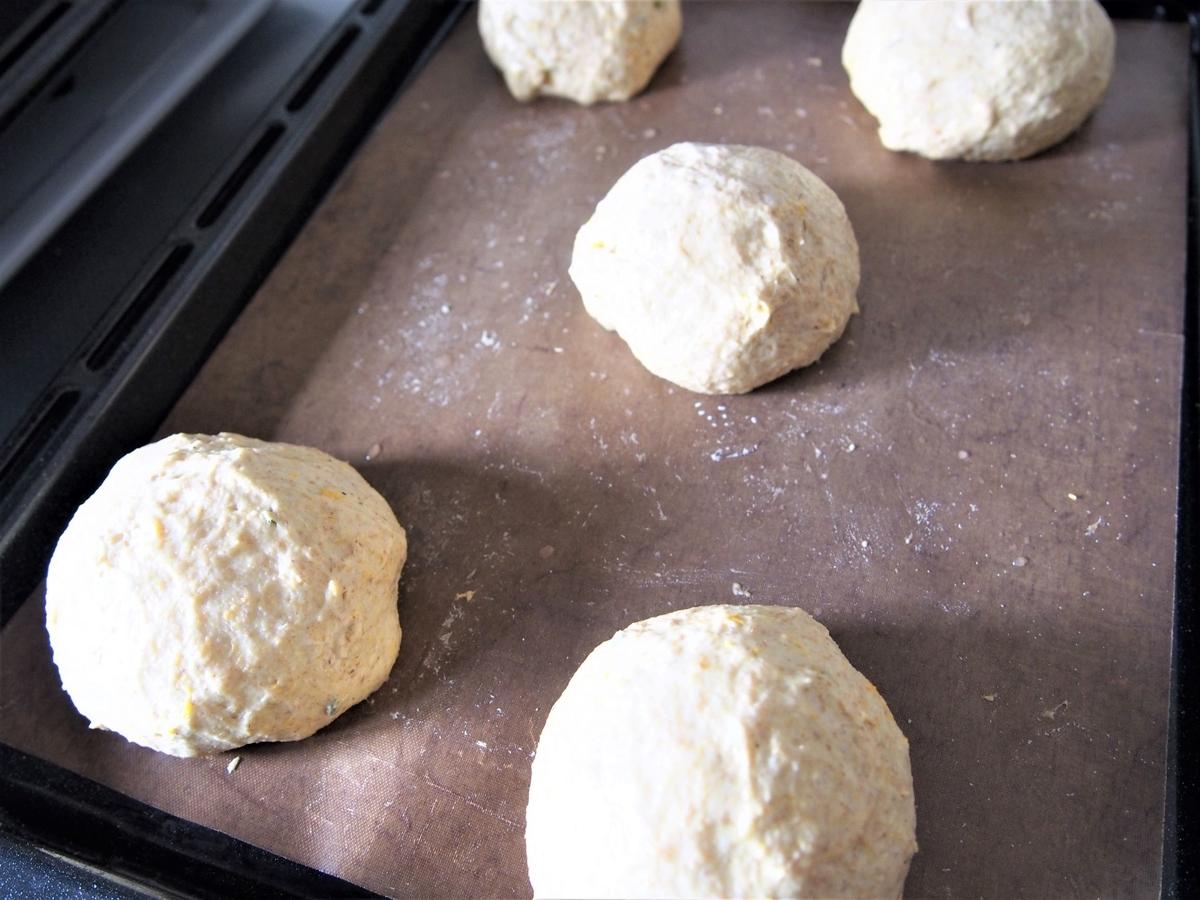 二次発酵後のパン生地