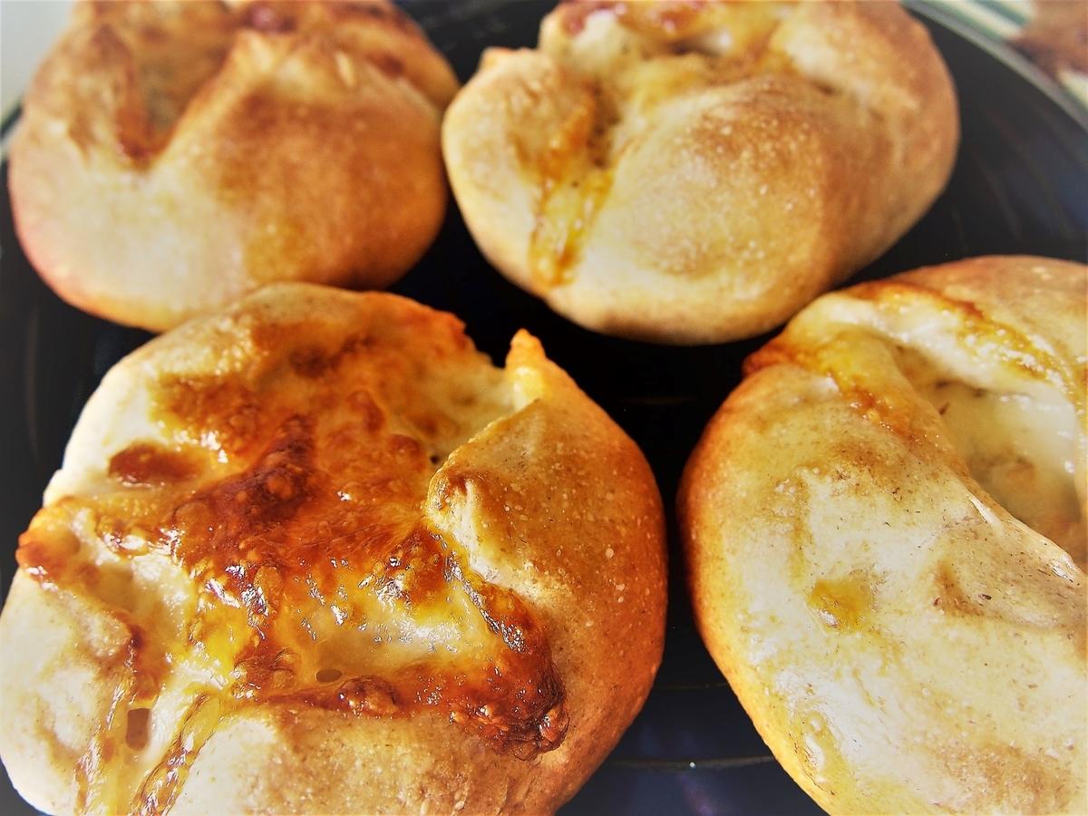 小麦ヌーヴォーで作ったダブルチーズパン