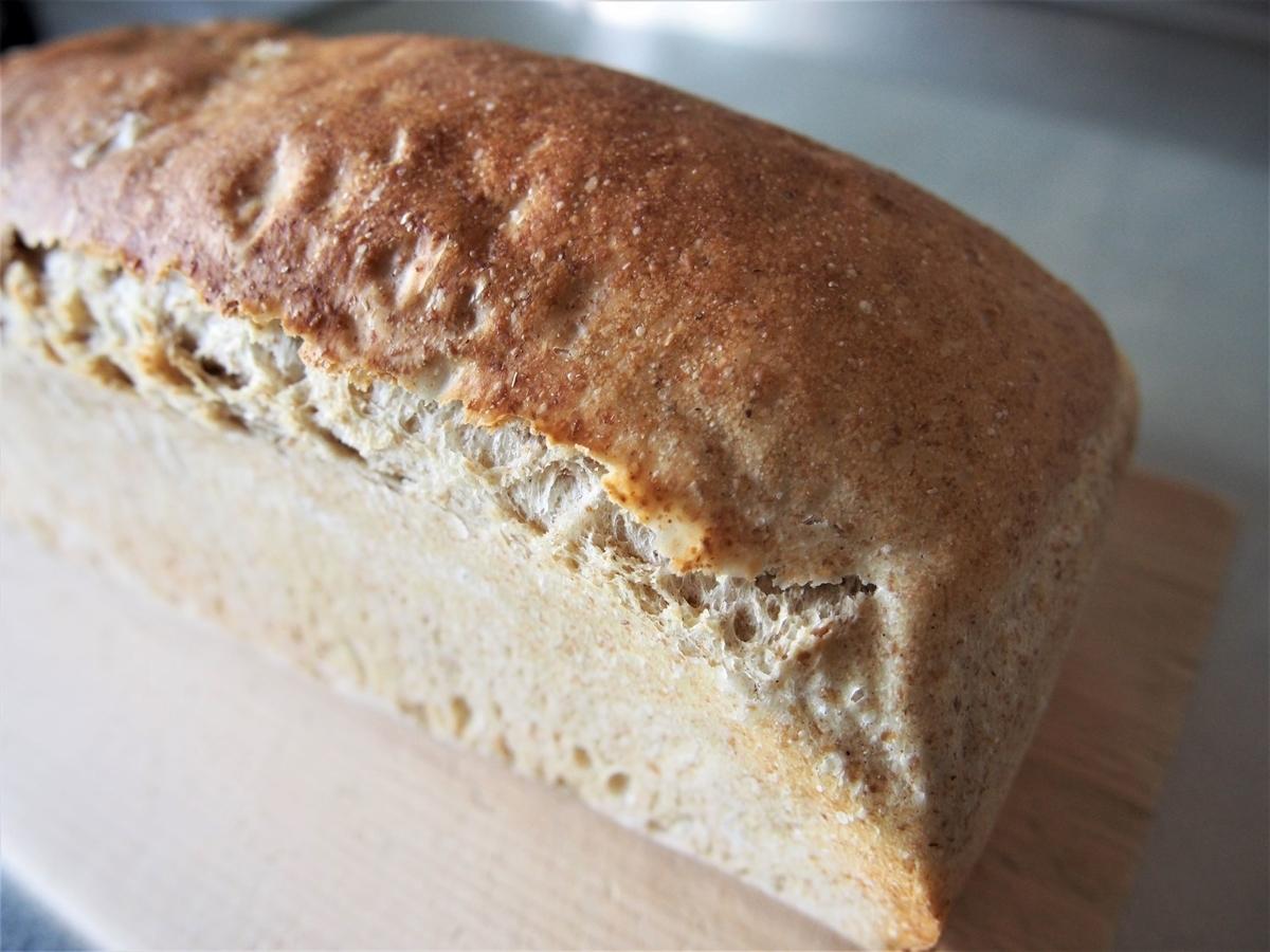 焼成後のワンローフ食パン