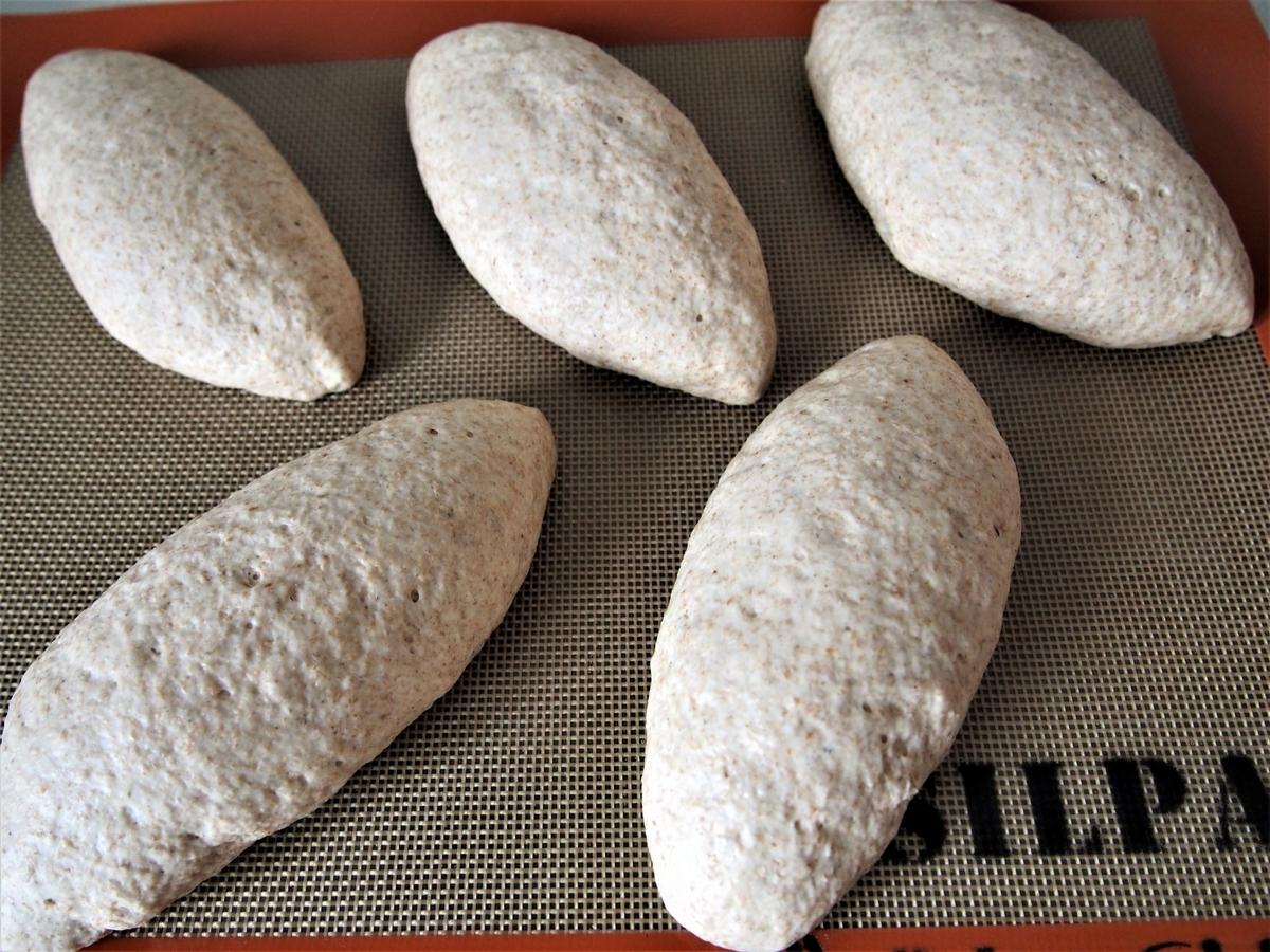 二次発酵後のライ麦パン