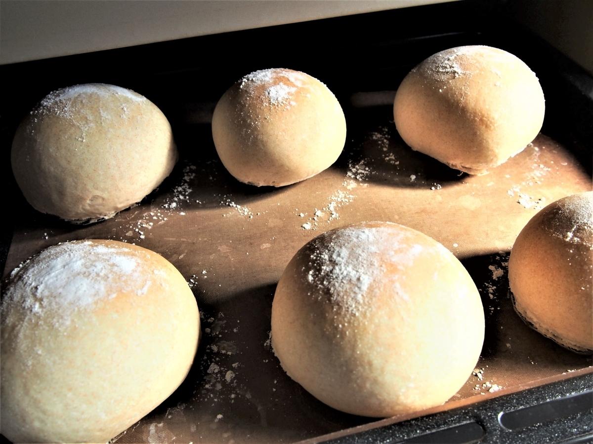 ホエーで仕込んだ「まるパン」