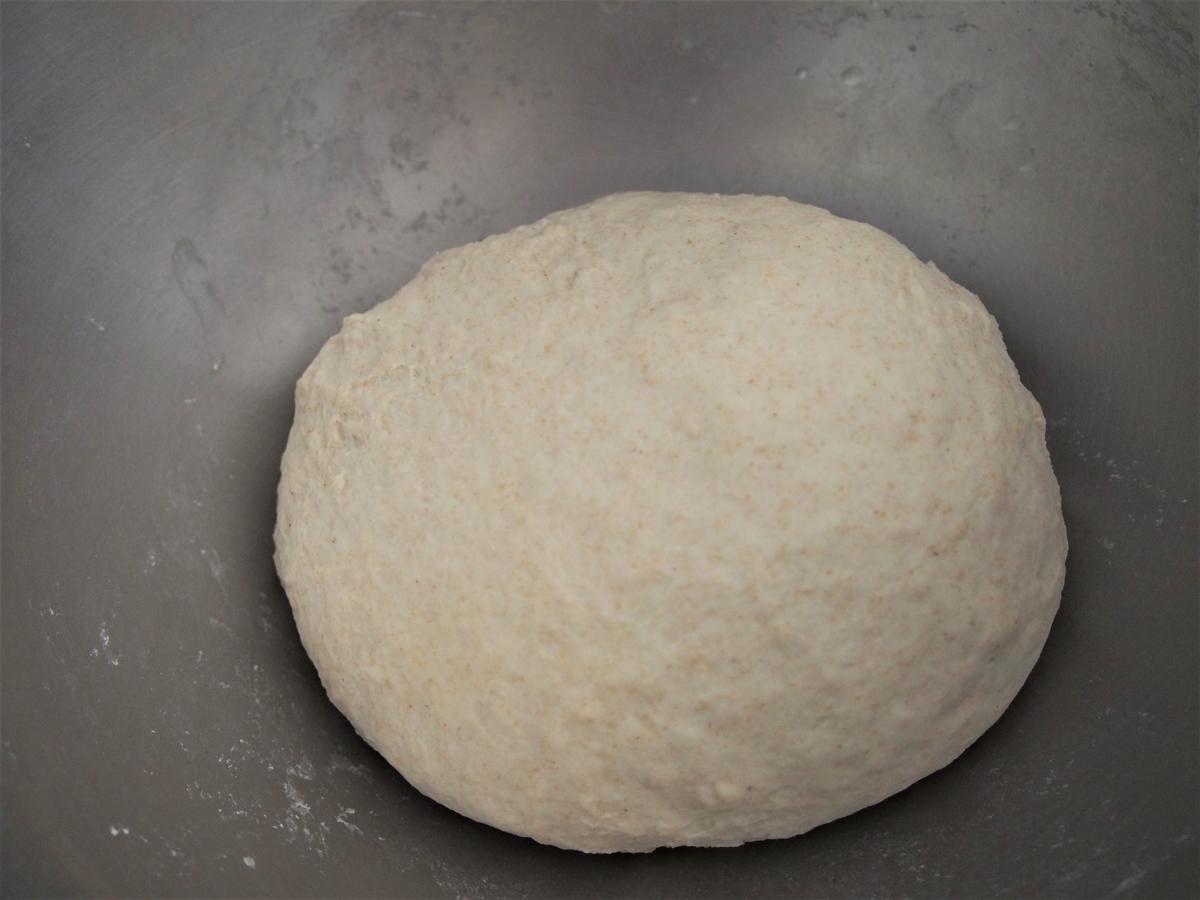 捏ね上げた直後のパン生地