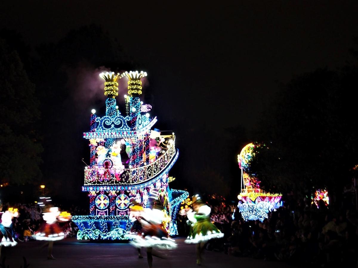 東京ディズニーランド・光と音のパレード