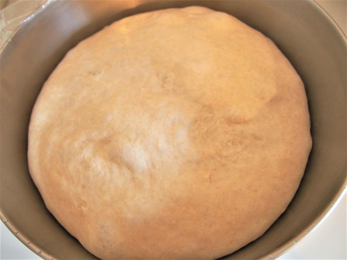 一次発酵後のパン生地