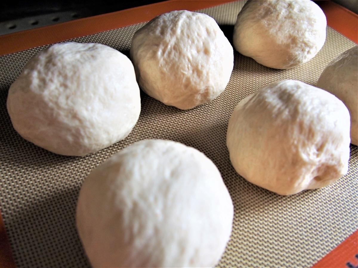 ホイロ後のチーズパン