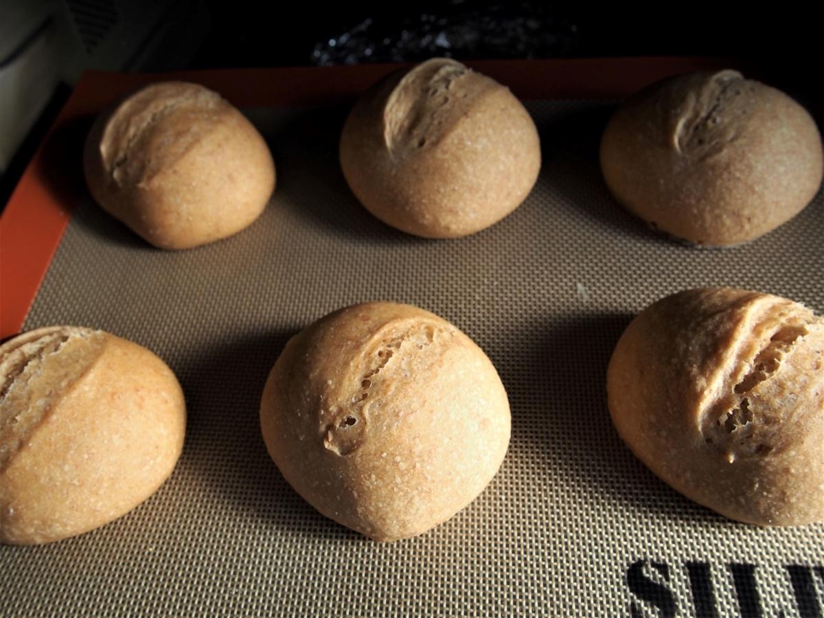 手ごねのきなこパン・焼き上がり画像