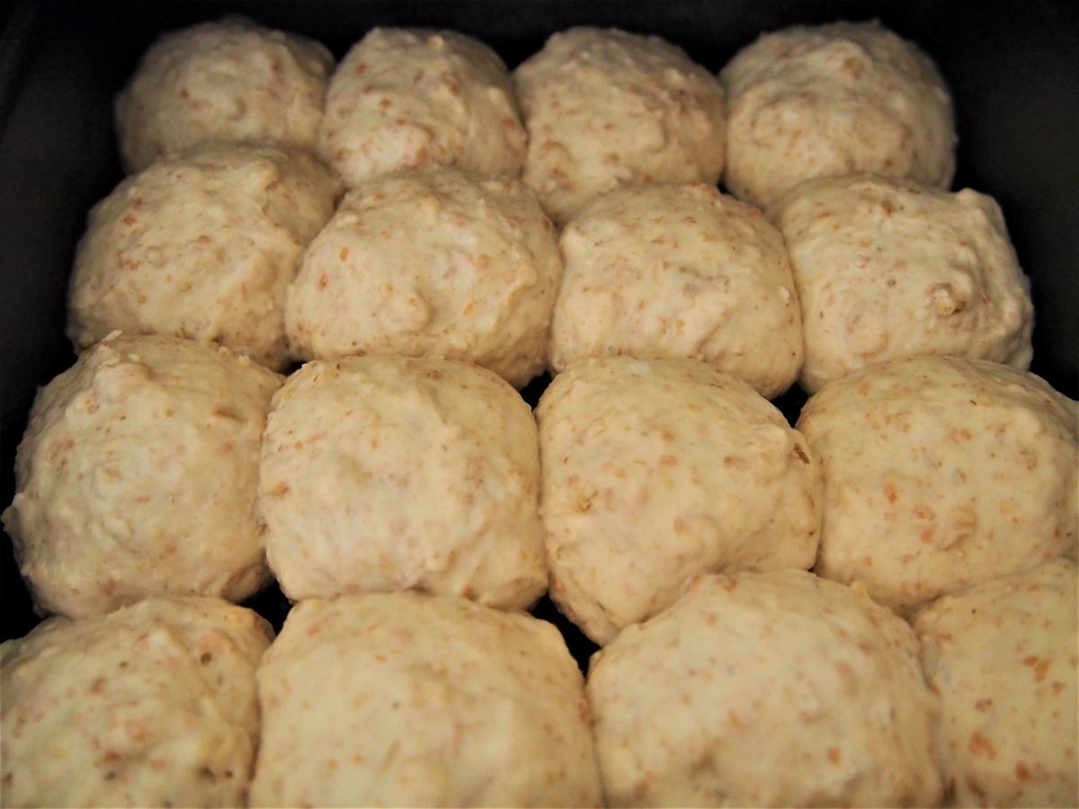 ふっくらと発酵したホイロ後のパン生地