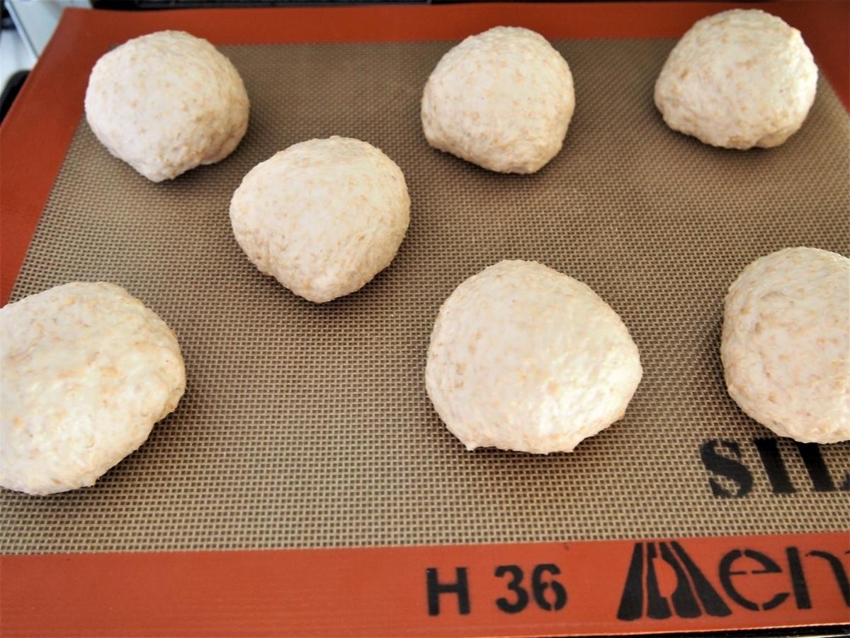 小麦ふすまパン生地の分割・ベンチタイム
