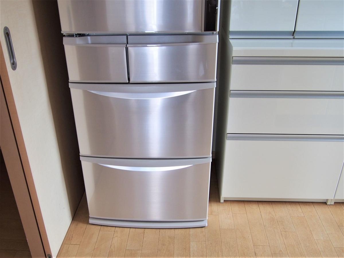 パナソニック製の冷蔵庫・5ドア左開き
