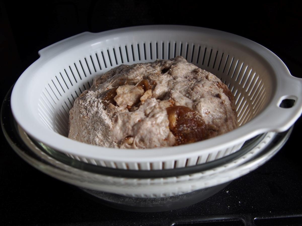 オーブンの発酵機能を使ってカンパーニュを二次発酵