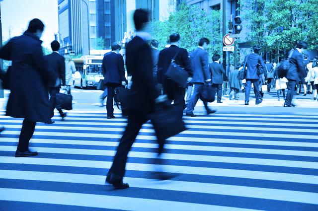 テレワークできる職種は管理部門や営業職など極わずか