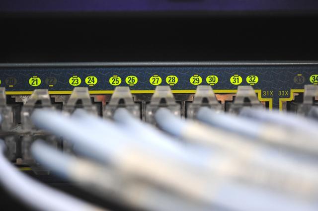 住民がネットを一斉に使い回線速度が上がらずモヤモヤ
