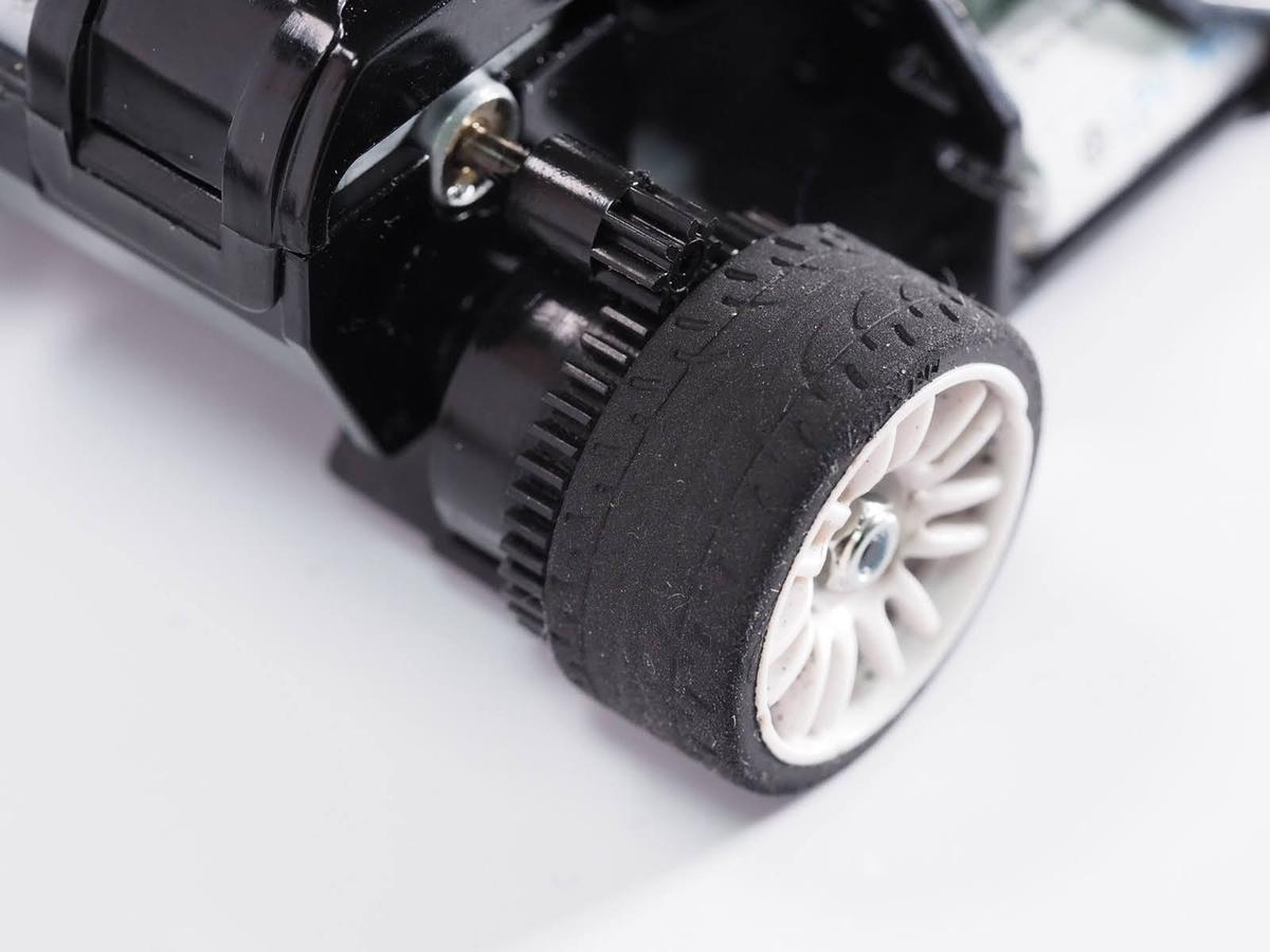 京商ミニッツのビートルボディのオフセットに合うタイヤの取り付け