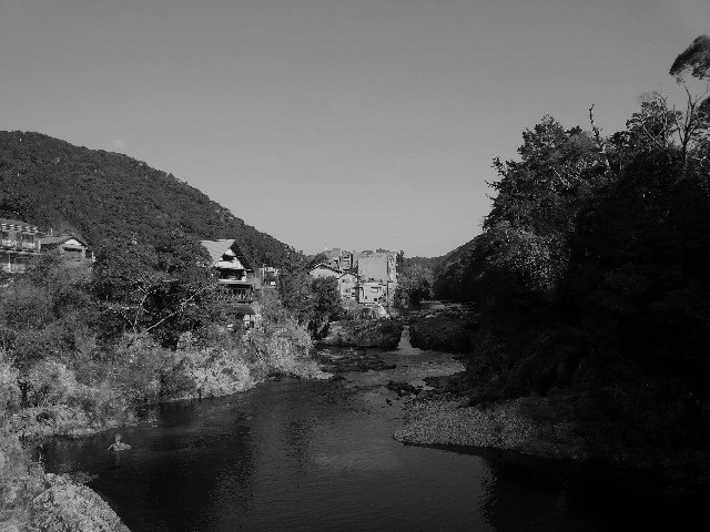 湯谷温泉と宇連川