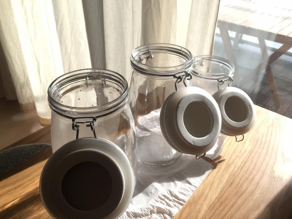 容器を乾燥させる