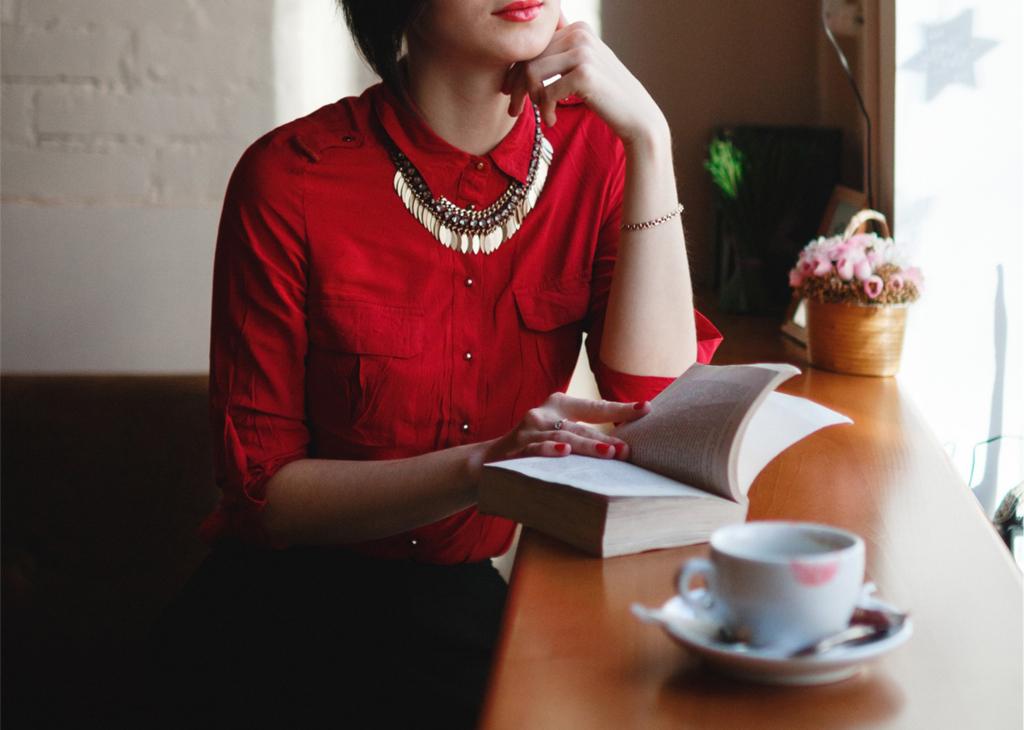 カフェで読書デート