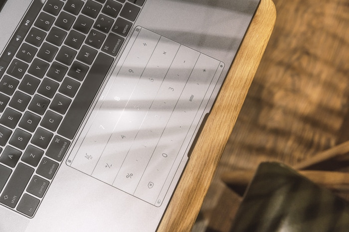 KickstarterでMacBook Proのトラックパッドがテンキーになるガラスフィルムに出資した