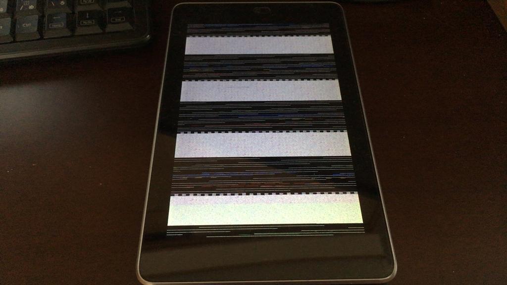 Nexus 7(2012)で自作アプリを起動すると画面がグチャグチャに表示される