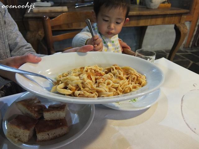 イタリア・ジェノバで利用したアグリツーリズモホテルで食べたパスタ
